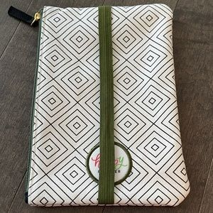 Happy Planner pen pouch, green/white